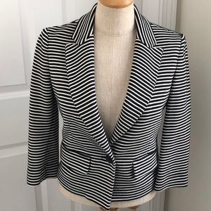 BCBG black & white stripe blazer !